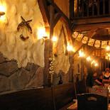 Ресторан Ганс - фотография 1 - Пивной ресторан «Ганс» на Малышева. Первый (нижний) зал