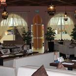 Ресторан Ду-шеш - фотография 2 - мягкая диванная зона