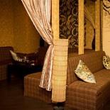 Ресторан Чайная братьев Кипятковых - фотография 6 - Удобные мягкие диванчики