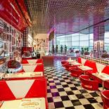 Ресторан New York Pizza - фотография 2 - Новый ресторан New York в ТРЦ Фантастика (Родионова, 187. 2-й этаж, слева от зоны фуд корта). Открыт с 23 сентября 2011 года