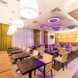 Ресторан The Garden Grille & Bar - фотография 1 - Lounge-bar прекрасное место для чашки  бодрящего кофе или ароматного глинтвейна.