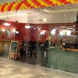 """Ресторан Штолле - фотография 2 - Пироговая """"Штолле"""" в ТРЦ """"Июнь"""", Мытищи, 1-й этаж"""