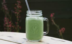 Жидкие салаты: 13 соков из овощей, травы и корнеплодов