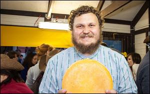 Познакомьтесь с человеком, который собирается спасать Россию с помощью сыра