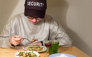 Сойлент, съедобный мел и саранча: как я питалась едой будущего
