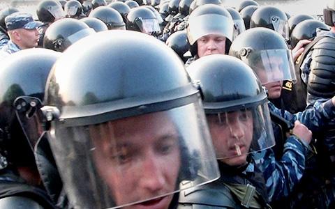 «Было неприятно и неловко»: Собчак, Толоконникова и другие о «Сроке»