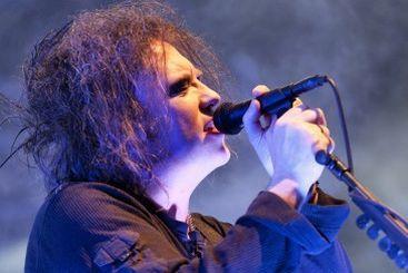 The Cure как коммунальный опыт, The Drums как вечная юность, The Rapture как борцы с судьбой и другое