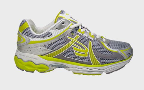 Hoka One One, Xero и другие альтернативы кроссовкам, которые есть у всех