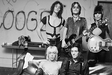 «Search and Destroy» Игги Попа и The Stooges