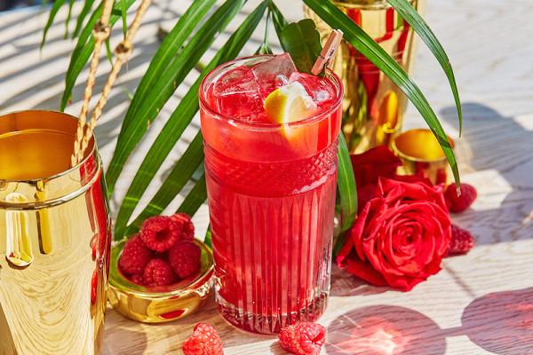 лимонад из малины с вареньем из розы