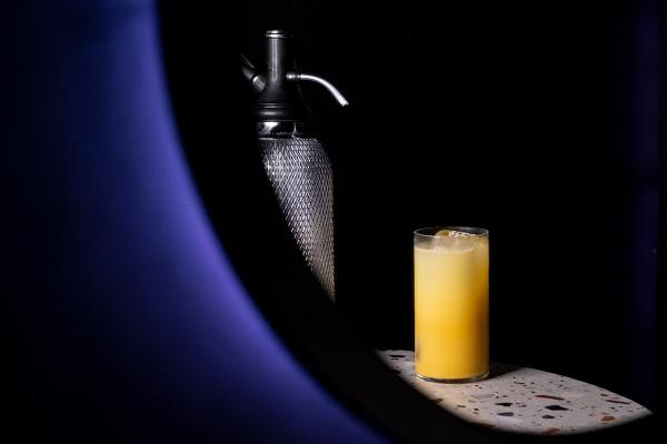 Paddington 2: торфяной виски, ликер адвокат, манговый кордиал, содовая
