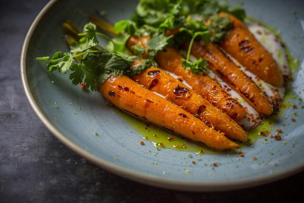 морковь с песто из ботвы (620 р.)
