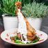 Ресторан Кусочки - фотография 9 - Запеченная нога индейки в горчично-медовом соусе с гарниром из молодой стручковой фасоли и грибов