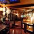 """Ресторан Трюм - фотография 1 - Интерьер главного зала ресторана """"Трюм"""" напоминает пиратскую каравеллу времен Колумба. Дубовые бочки со спиртным, детали корабельного такелажа, массивные деревянные столы, удобные стулья. Здесь проходят не только вечеринки и ночные дискотеки, но и детские праздники в стиле - """"В гостях у Джека Воробья""""."""