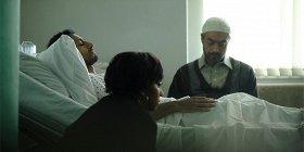 «Откуда тыродом?»: Риз Ахмед врусском трейлере прообездвиженного рэпера иислам