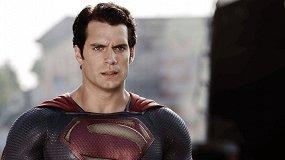 Усы Супермена, животик Чудо-женщины: 5 самых забавных спецэффектов 2017 года