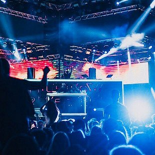 «Sensation Rise Pre-Party»: DJs Filatov, Karas