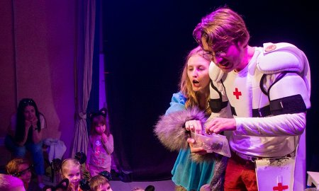 спектаклей о крутых медиках для детей и подростков