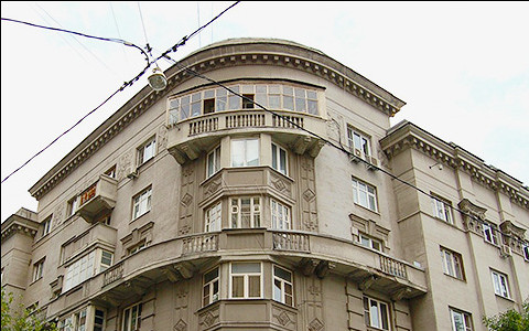 Дом с кондиционером: что говорят о вандализме в Воротниковском переулке