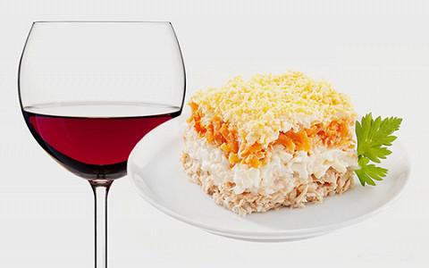 Каким вином запивать пельмени, чебуреки, шаурму и другую неизящную еду