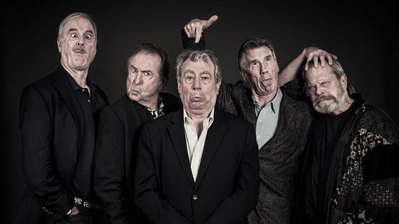 Монти Пайтон живьем (почти) (Monty Python Live (mostly))