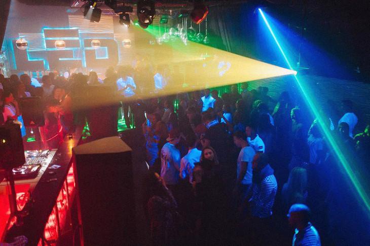 Звуки в ночном клубе слушать республик клуб москва