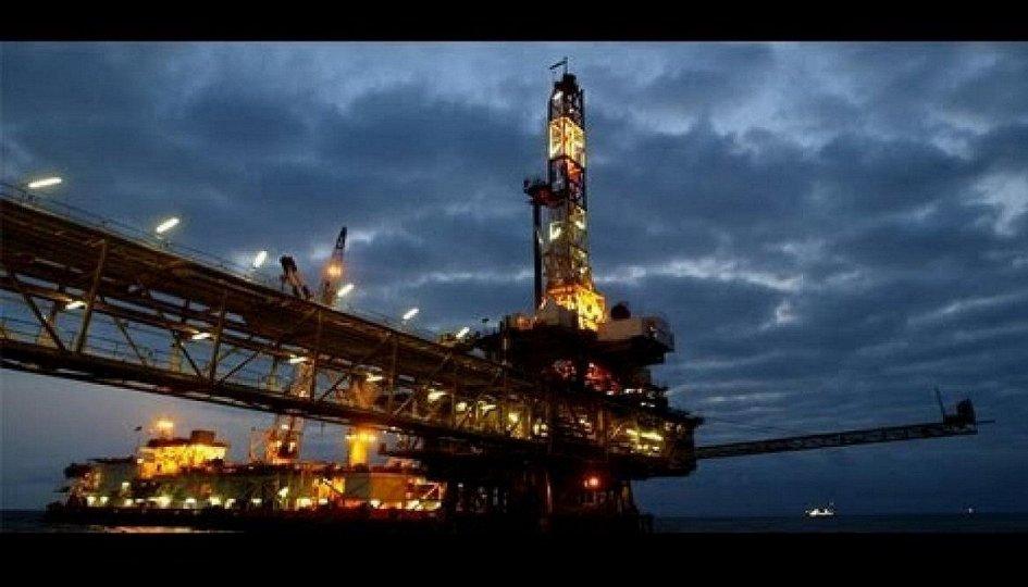 Кино: «Нефть»