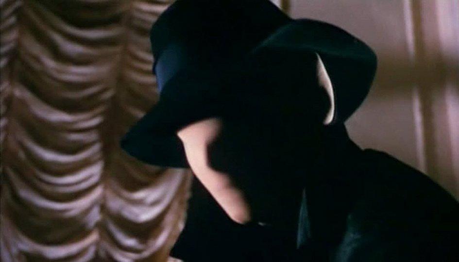 Кино: «Кровь и черные кружева»