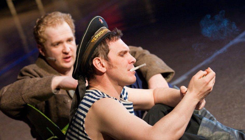Театр: Два бойца