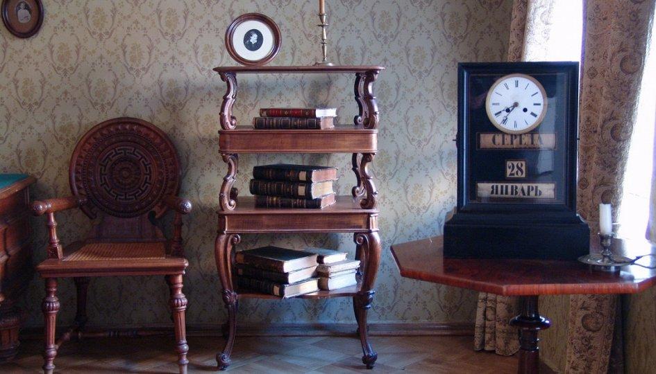 Выставки: Кабинет и мир писателя