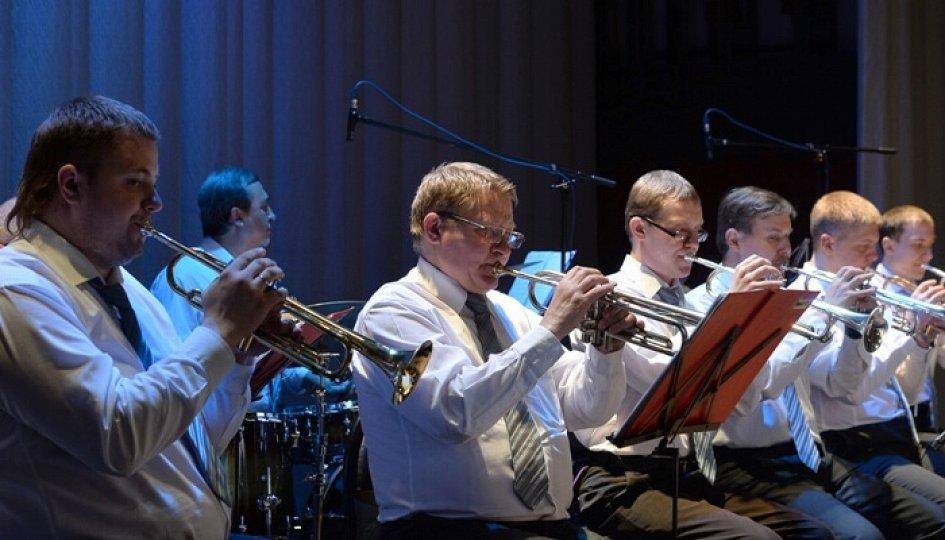 Концерты: «Праздник непослушания»: Уральский духовой оркестр
