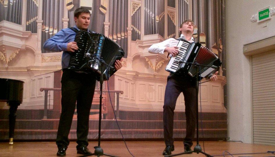 Концерты: «Караоке под аккордеон»: Никита Шаравьев, Данил Шаравьев