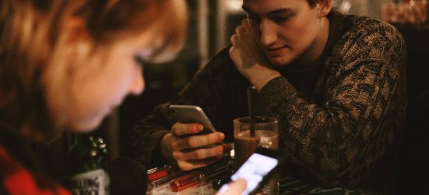 fitcher: Сеть баров «Дорогая, я перезвоню…» запустила приложение BarCoin