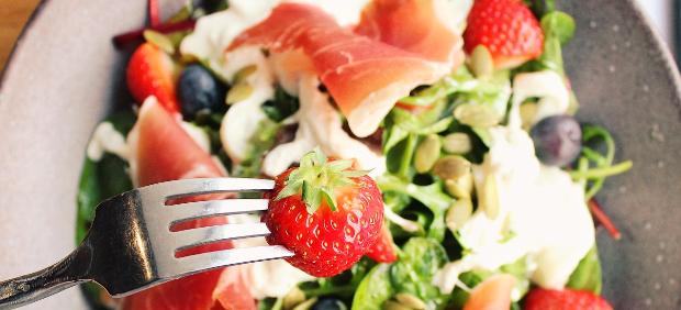 fitcher: Новый шеф в Restaurant 360, рыбные блюда в «Свободе» и другие новости
