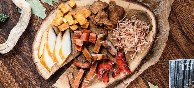 fitcher: Крабы, нерка и томленый лось: доставка из ресторана «Аляска»
