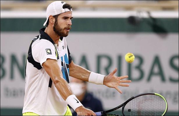 Хачанов проиграл Джоковичу на Roland Garros