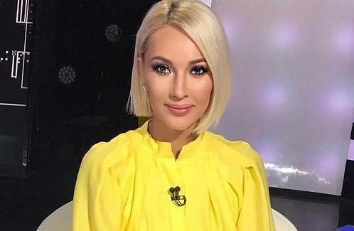Лера Кудрявцева поделилась снимком изпионерского прошлого: «Тапки— огонь»