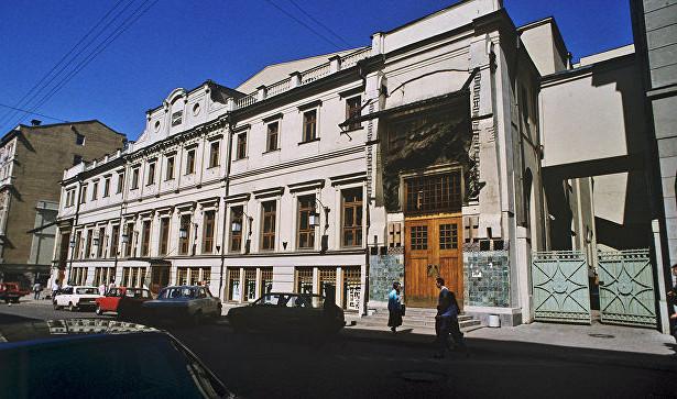 МХТим. Чехова начинает предпремьерные показы спектакля «Лёха»