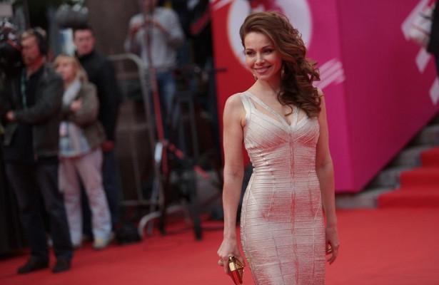 «Русская красавица!»: Екатерина Гусева показала фото внеобычном платье