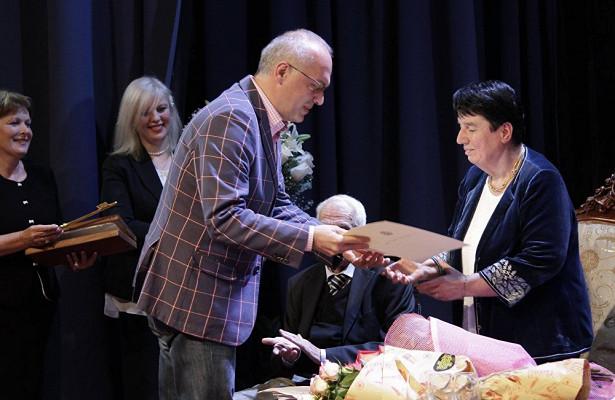 Нона Гаприндашвили стала почетным гражданином Зугдиди