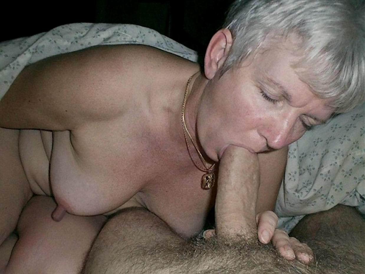 Смотреть бесплатно порно старушки сосут у мужей