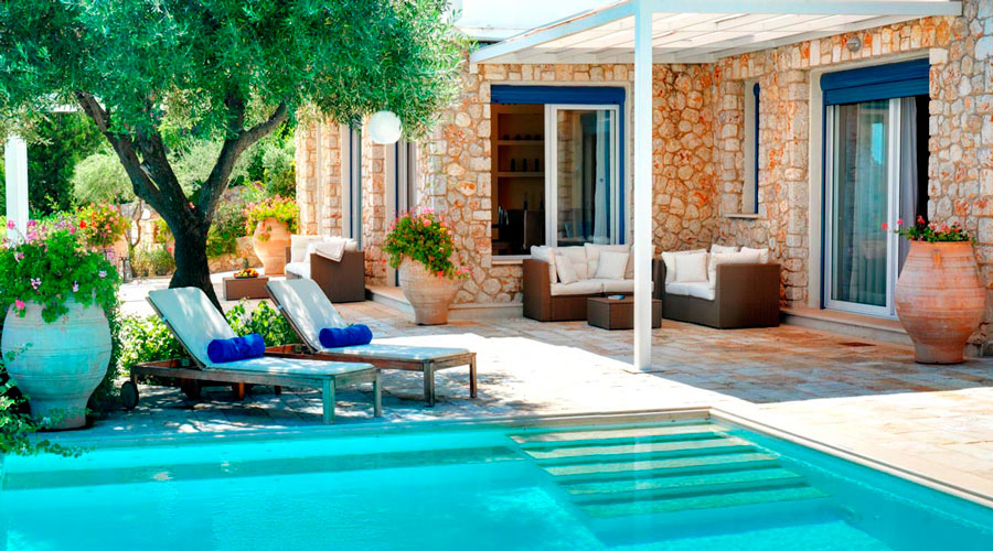 Виллу в Корфу с бассейном