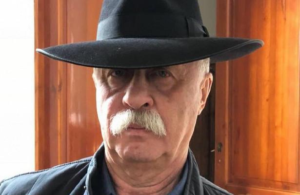 Якубович рассказал осложных отношениях сженой