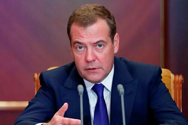 Медведев прокомментировал введенные СШАсанкции