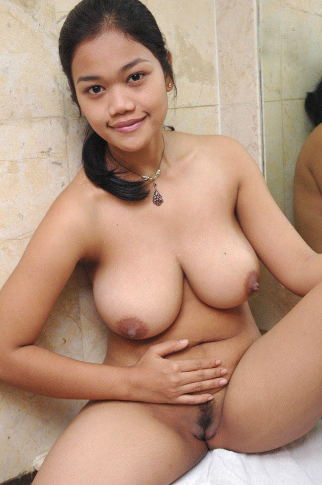Filipina mom big boobs naked image — photo 1