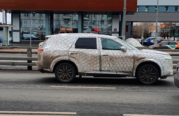 Новый Nissan Pathfinder сфотографировали вМоскве