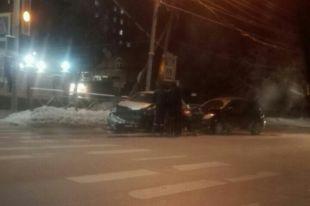НаБольшевистской автовладелец наХонде стал виновником массовой автоаварии