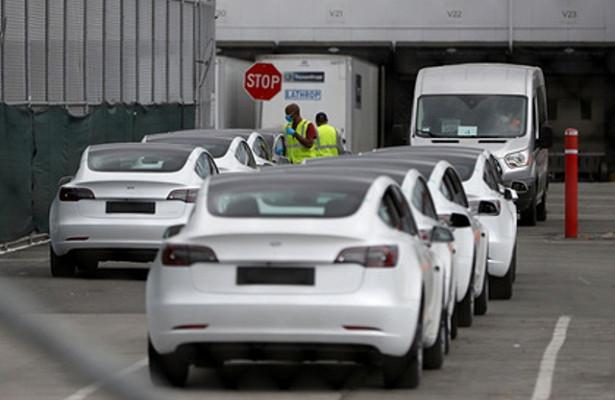 Сотни работников Tesla заразились коронавирусом из-заоткрытия вразгар пандемии