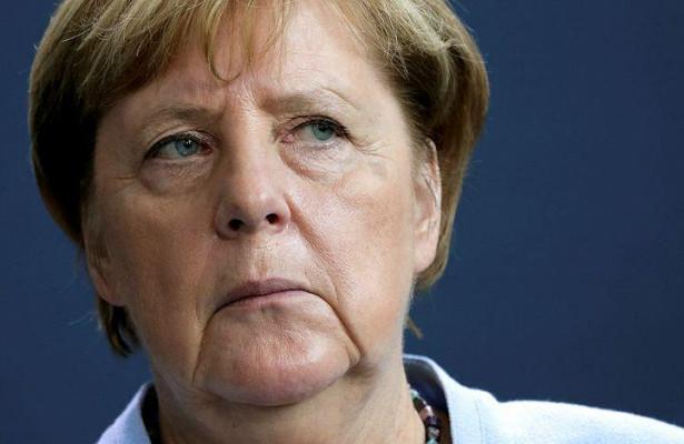 Меркель допустила вакцинацию европейцев «Спутником V»