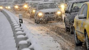 Какпередвигаться наавтомобиле всильный снегопад